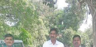 gandhi1112017-5.jpg